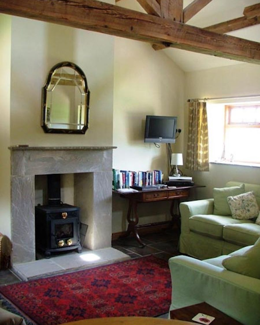 img-cottage-sittingroom-2